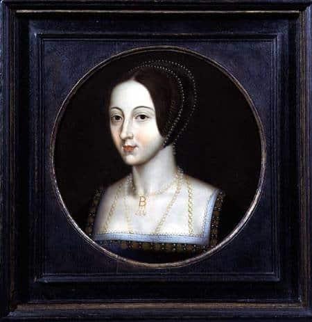 Portrait of Anne Boleyn wearing pearls.