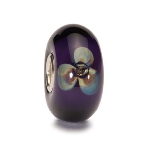 Trollbeads Purple bead with violet flowers inside the glass