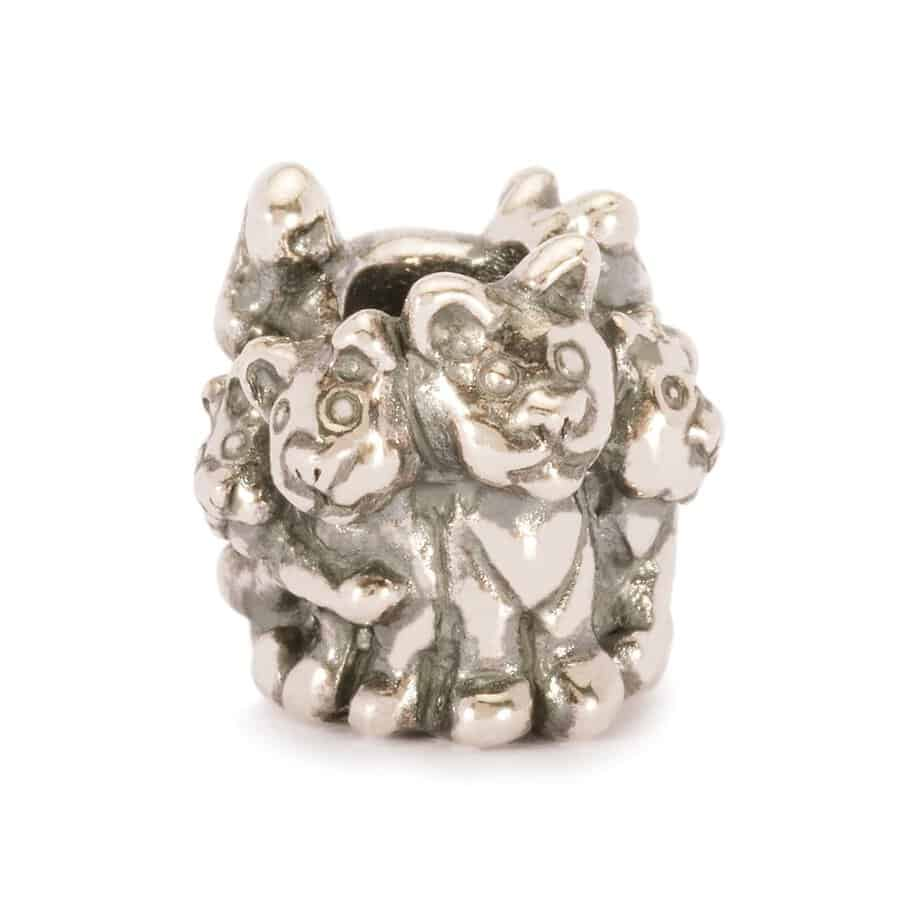 Trollbeads silver charm bead for modern charm bracelet featuring a bundle of kittens around the bead